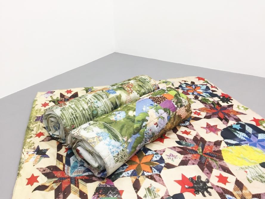 OPERATIVA ARTE CONTEMPORANEA :: Exhibition :: NOTTURNO SMARRITO BLANKETS | Matteo Nasini