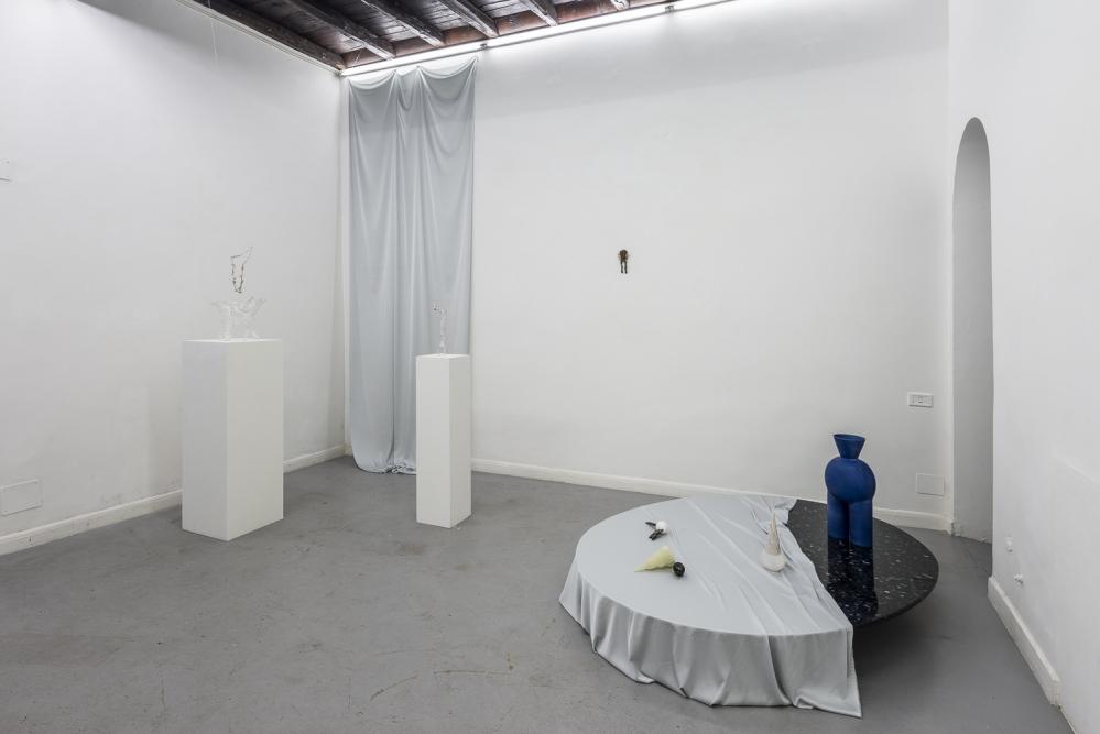 OPERATIVA ARTE CONTEMPORANEA :: Exhibition :: JOANNE BURKE - VALENTINA CAMERANESI   A Ten Boed Poynt in a Wave